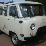 ロシア製の車。「UAZ・ワズ」に乗せて貰った!