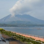 桜島噴火。でも麓の垂水市には、豪雨対策で鍛えた防災体制がある。
